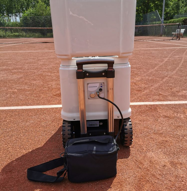 Lithium external battery pack for Tennismash machines
